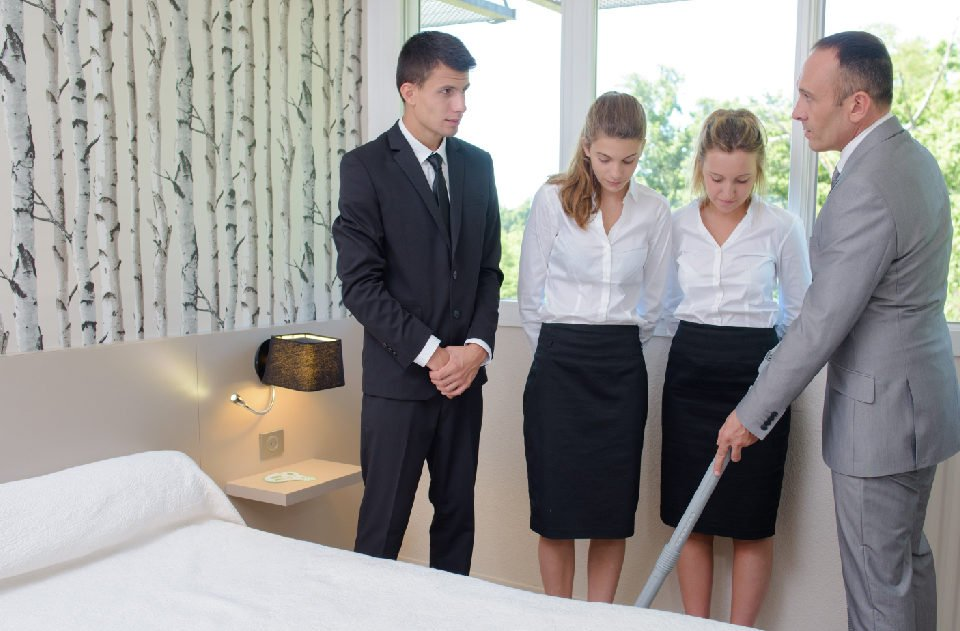 4 Reasons Housekeeping Supervisors are Key to Moving Your Team Forward